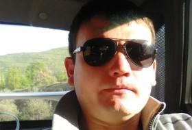 Ravil, 26 - Just Me