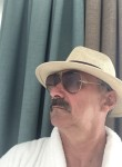 Aleksandr, 60  , Klin