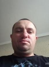 Sasha, 30, Belarus, Navapolatsk