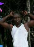 Moussa, 40  , Libreville