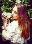 Anastasia, 22, Beloozerskiy