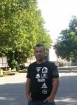 Ayman , 40  , Vienna