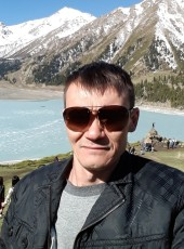 oleg, 43, Russia, Taganrog