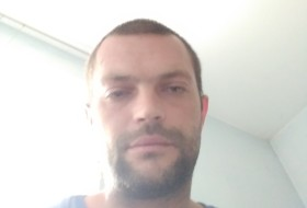 Pavel, 35 - Just Me