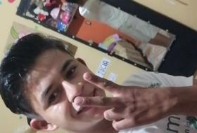 Alexito , 18 - Just Me