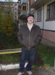 viktor, 63, Moscow