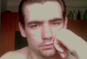Viktor, 29 - Just Me