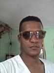 Yusniel, 34, Havana