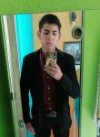 Alan , 20  , San Jeronimo Cuatro Vientos