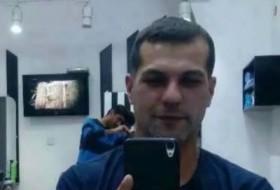 Omar, 34 - Just Me