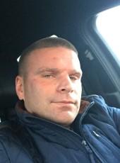 Aleksandr, 35, Russia, Kommunar