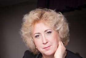 Elena, 59 - Just Me