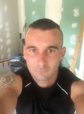 Max, 26, France, Grenoble
