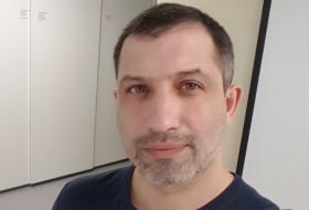 Denis , 40 - Just Me