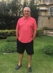 Stevewalton, 61  , Tema