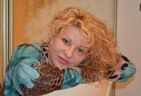 LARA, 51 - Just Me