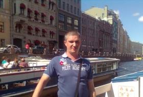 Denis, 38 - Just Me