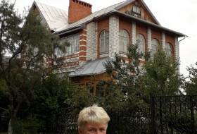 Nadezhda Komiss, 57 - Just Me