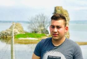 onur, 18 - Just Me