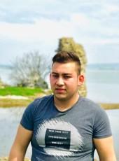 onur, 18, Turkey, Istanbul