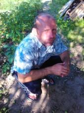 yuriy, 41, Belarus, Krychaw