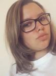 amelie leroy, 19  , Perigueux