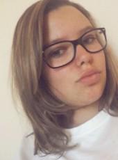 amelie leroy, 20, France, Perigueux