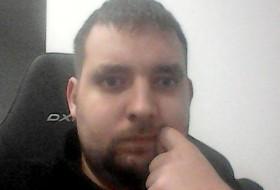 Valentin, 27 - Just Me