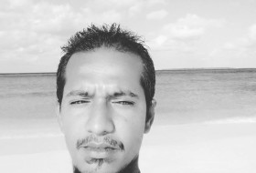 Ahmed laish, 28 - Just Me
