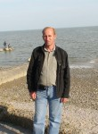 Oleg, 51, Taganrog