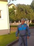 Istvan, 50  , Bucharest