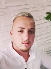 Nicolas, 21, Romania, Codlea