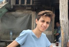 Mustafa, 19 - Just Me