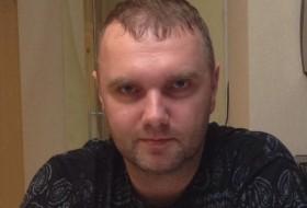 Denis, 42 - Just Me