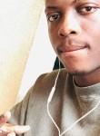Chris, 21, Cotonou