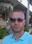 mikhail, 35  , Floresti