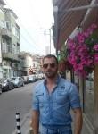 Heureux, 39  , Folkestone