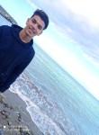 KhaLed , 18  , Algiers