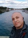 Nicolas, 48  , Paris