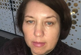 Julia, 53 - Just Me