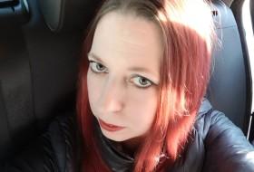 Greta, 41 - Just Me