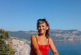 Helen, 59 - Just Me