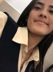 Isabel , 18, Caracas
