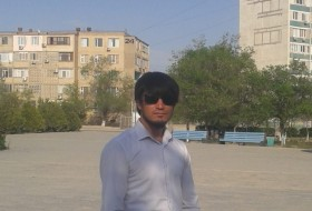 Ali, 27 - Just Me