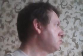 niko, 49 - Just Me