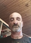 Julien , 51  , Uberherrn