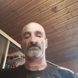 Julien , 50  , Uberherrn