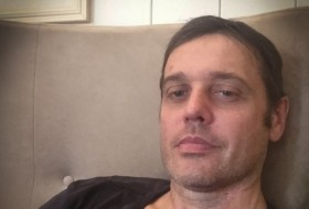 Roman, 45 - Just Me