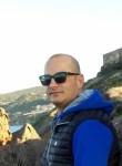 Giovanni, 34  , Sassari