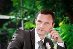 Maksim Viktorovi, 45 - Just Me
